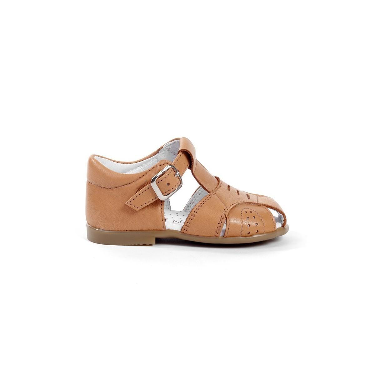 Sandales fermées cuir camel